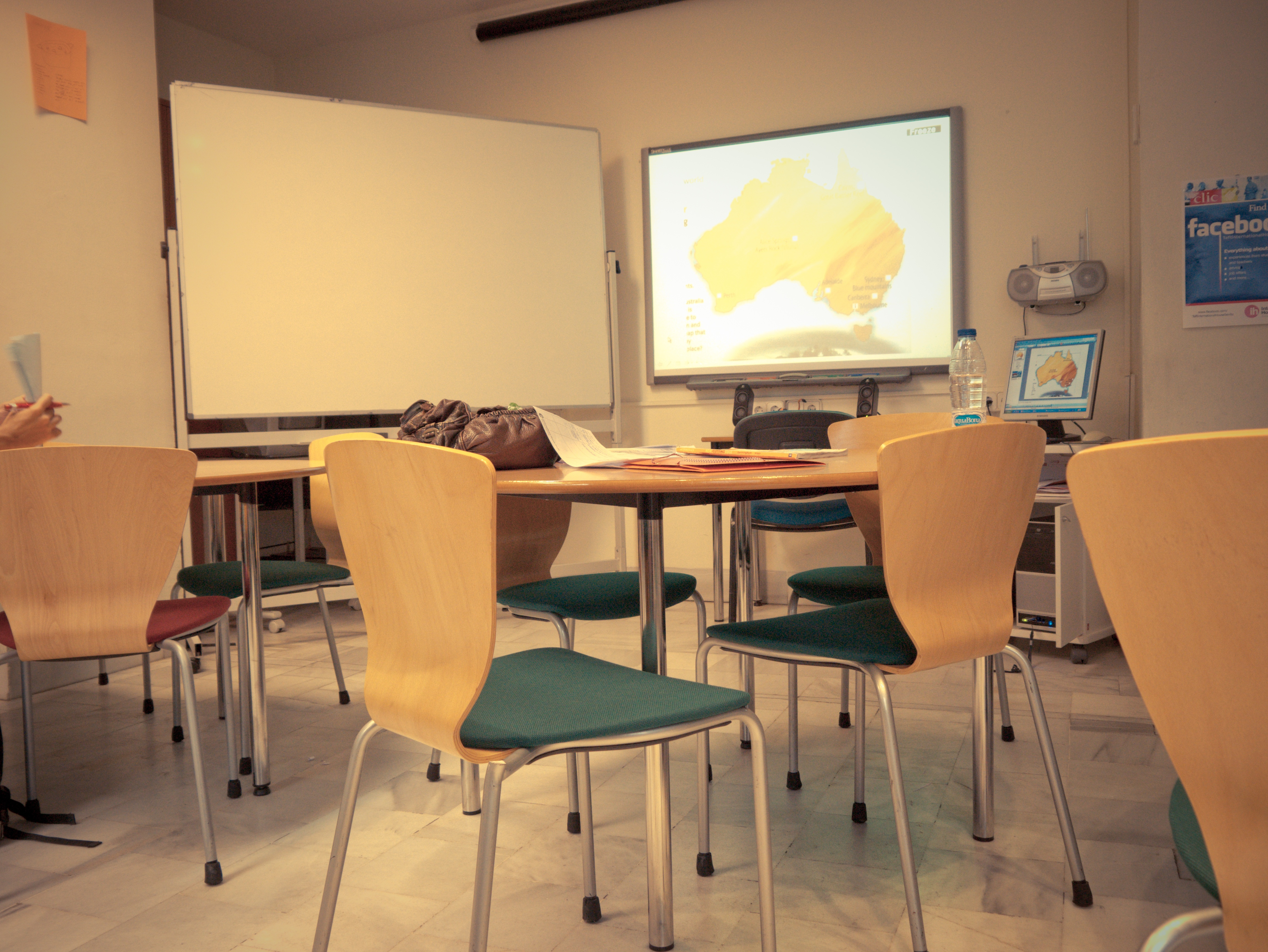 Collaborative Classroom Culture ~ Classroom collaboration—going beyond projecting information